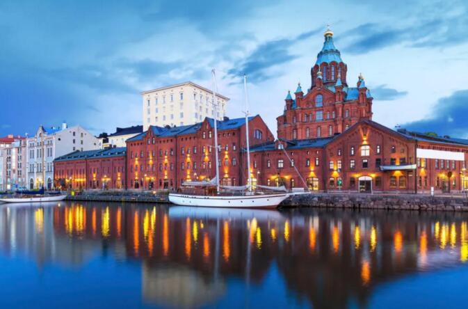 芬兰首都赫尔辛基旅游 古典美的城市