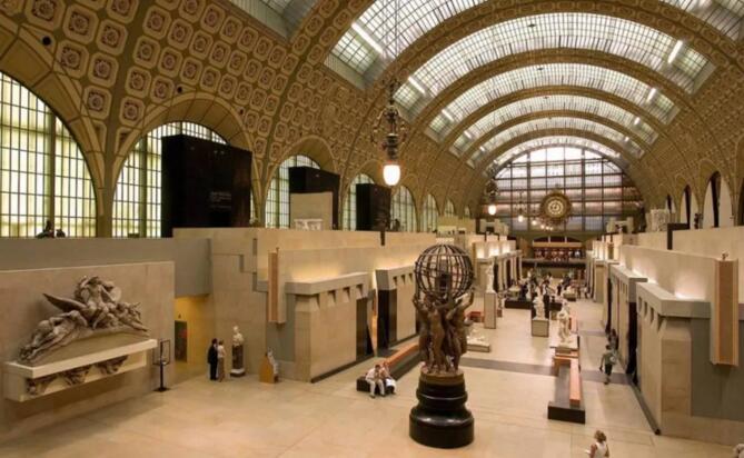 世界上最大的博物馆——卢浮宫及卢浮宫玻璃金字塔